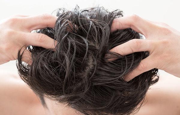 なぜ髪は傷んでしまうのかサムネイル